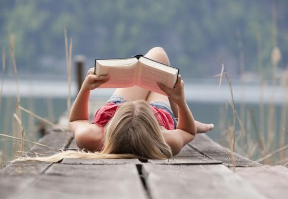kitap-okuyan-kiz